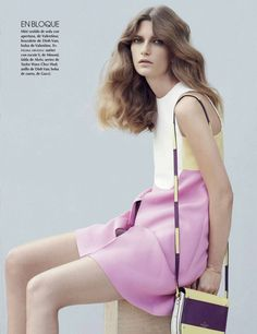 Vogue Mexico January 2015 | Valerija Kelava by Julia Noni - Valentino