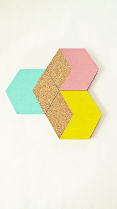 DIY COASTERS :: 3 geometric Cork coasters Hexagon pastel mint pink by :: just needs scissors to cut round coasters into hexagons and some Frog tape and paint! Cork Board Projects, Diy Cork Board, Craft Projects, Cork Boards, Welding Projects, Project Ideas, Cork Crafts, Diy And Crafts, Creation Deco