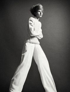 Kamila Filipcikova for Costume Denmark August 2012 by Emma Jönsson Dysell Danish Fashion, White Fashion, Minimalist Fashion, Editorial Fashion, What To Wear, Fashion Beauty, Fashion Photography, Photoshoot, Costumes