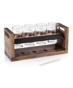 The perfect gift for craft beer lovers is this Craft Beer Flight from Legacy by Picnic Time. The set includes a acacia wood tray that holds 4 glasses and features a chalkboard panel and hollowed spaces under each glass to hold beer caps. Shot Glass Set, Wine Glass Set, Glass Tray, Chicago Cubs, Beer Caps, Beer Tasting, Tasting Room, Picnic Time, Drinking Glass