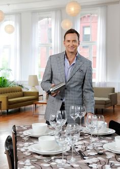 I love watching Clinton Kelly on The Chew