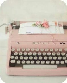 Pink Vintage Typewriter ~ I Heart Shabby Chic: Shabby Chic Spring Pastel Heaven Decorating Ideas My Favorite Color, My Favorite Things, Vintage Typewriters, Vintage Suitcases, Vintage Luggage, Everything Pink, Pretty Pastel, Pink Aesthetic, My New Room