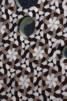FOA Design Tile-Covered Facade for Ravensbourne College, London, 2010