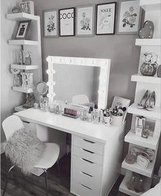 Bedroom Decor For Teen Girls, Teen Room Decor, Room Ideas Bedroom, Beauty Room Decor, Makeup Room Decor, Cute Room Decor, Wall Decor, Stylish Bedroom, Aesthetic Room Decor