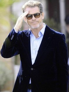 Persol 714's! That old grey haired mess of a man is Pierce Brosnan by the way.