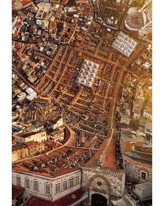 Efectos especiales urbanos: Feel the earth move: images of Istanbul bend time and space | Cities | The Guardian