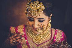 Gorgeous bold maangtikka and nath for Indian wedding. See more on wedmegood.com #wedmegood #indianwedding #indianbride #maangtikka #jewelrydesign #jewelry #bridaljewellery