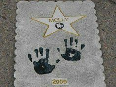 Hollywood birthday party: Walk of Fame craft Movie Star Party, Movie Night Party, Party Time, Kids Movie Party, Movie Stars, Hollywood Birthday Parties, Hollywood Theme, Hollywood Crafts, Hollywood Stars
