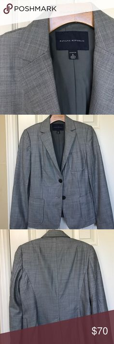 Banana Republic Suit Very professional. Black and white pattern suit. Subtle pattern, looks gray from a distance. Jacket Size 6, fully lined, contrast lining on sleeves, 2 button, front pockets.  Pants are Ryan Fit, size 4, front and back pockets, belt loops, inseam 31 inches. Banana Republic Jackets & Coats Blazers