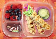Molly's Lunch Box: Peanut Butter and Jelly