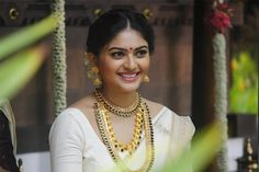 Pearl Necklace, Actresses, Pearls, Chain, Beauty, Jewelry, Fashion, String Of Pearls, Female Actresses