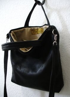 LAPTOP size Black Leather Urban Tote Bag This sweet bag is lined with Khaki waterproof canvas, - and the outside is of the most beautiful thick, Swag Style, Sacs Design, Sweet Bags, Urban Fashion Women, Black Leather Tote, Black Tote Bag, Deer Skin, Everyday Bag, Laptop Bag