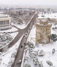 Θεσσαλονίκη Travel Destinations Beach, Amazing Destinations, Beautiful Islands, Beautiful Places, Greek Beauty, Winter Scenery, Thessaloniki, Out Of This World, City Streets