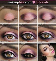 Sombra rosa e rosa, lápis de olho e rímel.