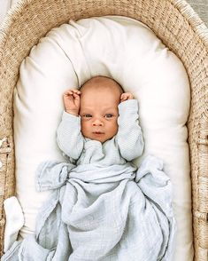 Swaddling is an age-old technique of wrapping your baby in cloth to help him feel safe and secure. We offer the most comfort baby swaddle. Baby Swaddle, Baby Boy Newborn, Baby Boys, Baby Kind, Mom And Baby, Little Babies, Cute Babies, Little Kid Fashion, Foto Baby