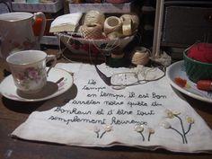 robe de poupée brodée - Nadine Levé - Lejournaltextile