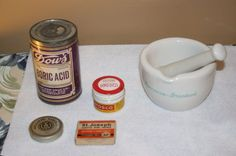 ANTIQUE TO VINTAGE PHARMACEUTICAL ITEMS