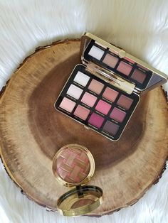Review of the Too Faced Just Peachy Velvet Matte Eye Shadow Palette and Sweetie Pie Bronzer is on the blog!