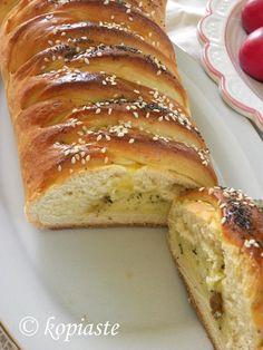 Savoury Cheese Tsoureki  Τσουρέκι με Τυρί http://www.kopiaste.info/?p=9167