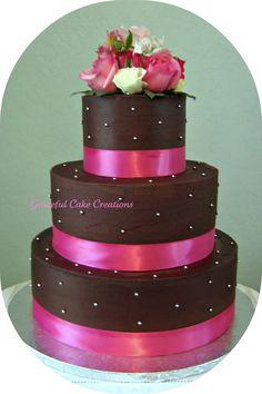 Elegant Brown and Pink Wedding Cake | par Graceful Cake Creations