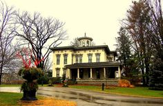 Old Louisville Ky. Charming House, Kentucky, Bing Images, Explore, Mansions, House Styles, Houses, Home Decor, Homes