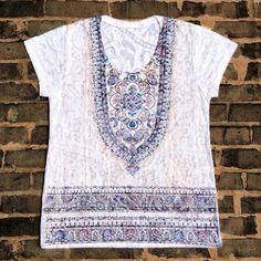 Camisetas fresquinhas símbolos e estampas étnicas.  Por R$ 2990.  Garanta a sua pelo nosso Whatsapp: 13982166299