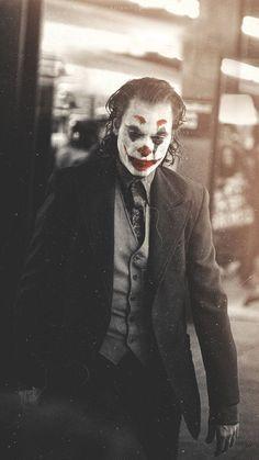 Joaquin Phoenix at its best - Joker - Le Joker Batman, Batman Joker Wallpaper, Joker Iphone Wallpaper, Joker Heath, Joker Wallpapers, Iphone Wallpapers, Wallpaper Backgrounds, Photos Joker, Joker Images