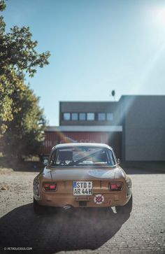 A family from Portugal is doing Italy justice in Germany. Alfa Romeo 1750, Alfa Romeo Giulia, Diorama, Alfa Romeo Cars, Chip Foose, Bmw Series, Audi Tt, Transportation Design, Ford Gt