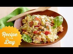 Look at this recipe - Kid Friendly Pasta Salad - from Ree Drummond and other tasty dishes on Food Network. Best Pasta Recipes, Pasta Salad Recipes, Healthy Salad Recipes, Dinner Recipes, Kid Pasta Salad, Crab Salad, Noodle Salad, Potluck Recipes, Fast Recipes