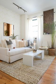 Neutral living room with a southwestern flair: http://www.stylemepretty.com/living/2015/07/25/neutral-decor-that-sparkles/