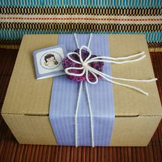 simple and elegant gift wrap