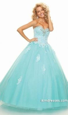 2015 Quinceanera Dresses Ball Gown Strapless Floor Length Applique Beading & Sequins Tulle