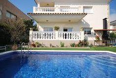 Features of a Lloret de Mar holiday villa in Costa Brava