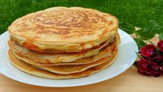 Placinte la Tigaie cu Cascaval si Branza, cu Aluat Turnat si Gata in 5 minute | AdeLina's Kitchen - YouTube Cheese Pie Recipe, Cheese Pies, Fritters, Pie Recipes, Quiche, Bakery, Appetizers, Pizza, Cooking