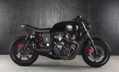 Honda CB 750 Black Belt par Reborn Custom Motorcycle