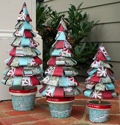 Interesting crafts for the new year with their Christmas Ornaments To Make, Christmas Art, All Things Christmas, Handmade Christmas, Christmas Holidays, Christmas Tree Inspiration, Holiday Crafts, Holiday Decor, Alternative Christmas Tree