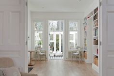 Love built-in bookcases!