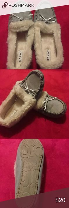 Fuzzy Old Navy moccasins Fuzzy women's Old Navy gray with silver bow moccasins size 9. Worn once or twice Old Navy Shoes Moccasins