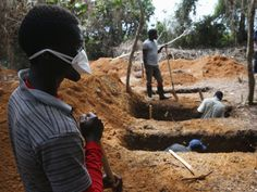 BuzzCanada: Touching! How Ebola Victims Are Buried In Liberia