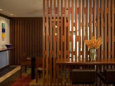 Ideas For Wooden Screen Design Spaces Metal Room Divider, Diy Room Divider, Room Divider Screen, Room Dividers, Divider Ideas, Divider Walls, Diy Screen Door, Sliding Screen Doors, Wooden Screen