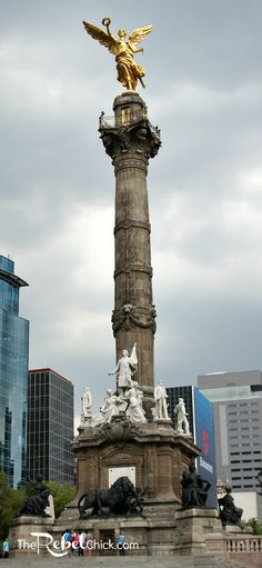 Monumento de la Indepenance in Mexico City while I'm here this week.