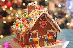 Χριστουγεννιατικα μπισκοτοσπιτα! Η καλύτερη συνταγή για Χριστουγεννιάτικα σπιτάκια Gingerbread Cookies, Christmas Cookies, Elie Saab Spring, 90s Toys, Mistletoe, Xmas, Party, Holiday, Fun