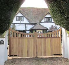 Wooden Gates & Wooden Driveway Gates by Westcountry Wood Ltd Launceston cornwall - manufacturers of hand made wooden driveway gates, entrance gates, side gates and garden gates - any style, any size. Front Yard Fence, Front Gates, Entrance Gates, Fenced In Yard, Driveway Lighting, Driveway Entrance, Wood Driveway Gates, Driveway Design, Drive Gates