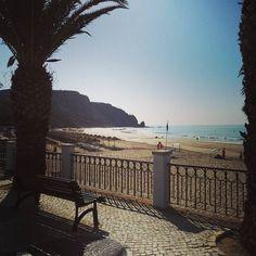 toooooooooo early for a Saturday  #praiadaluz