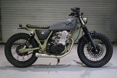 Kevil's Custom Bikes Yamaha Sr400, Honda Scrambler, Scrambler Motorcycle, Motorcycle Garage, Suzuki Cafe Racer, Cafe Racer Bikes, Custom Bobber, Custom Motorcycles, Custom Bikes
