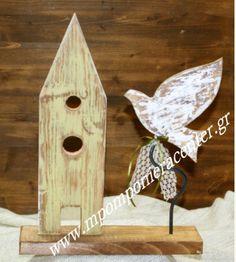 Επιτραπέζιο Σπιτάκι με ξύλινο  πουλάκι  σε βάση  στολισμένο με λευκό φιόγκο από δαντέλα. Bird, Outdoor Decor, Home Decor, Decoration Home, Room Decor, Birds, Home Interior Design, Home Decoration, Interior Design