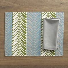 Frolos Aqua Placemat and Cotton Dove Napkin