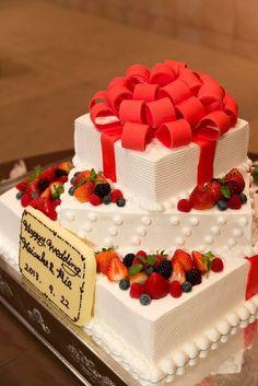結婚式場写真「パティシエがつくるおふたりだけのウエディングケーキ。 おふたりのテーマにあわせておつくり致します!」 【みんなのウェディング】