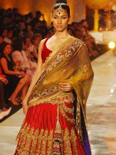 www.indianbridalshoppingguidedubai.com Beautiful Red Lehenga Manish Malhotra Bridal Collection