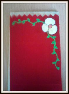 * Pintura em tecido * Fita académica * Flor branca *